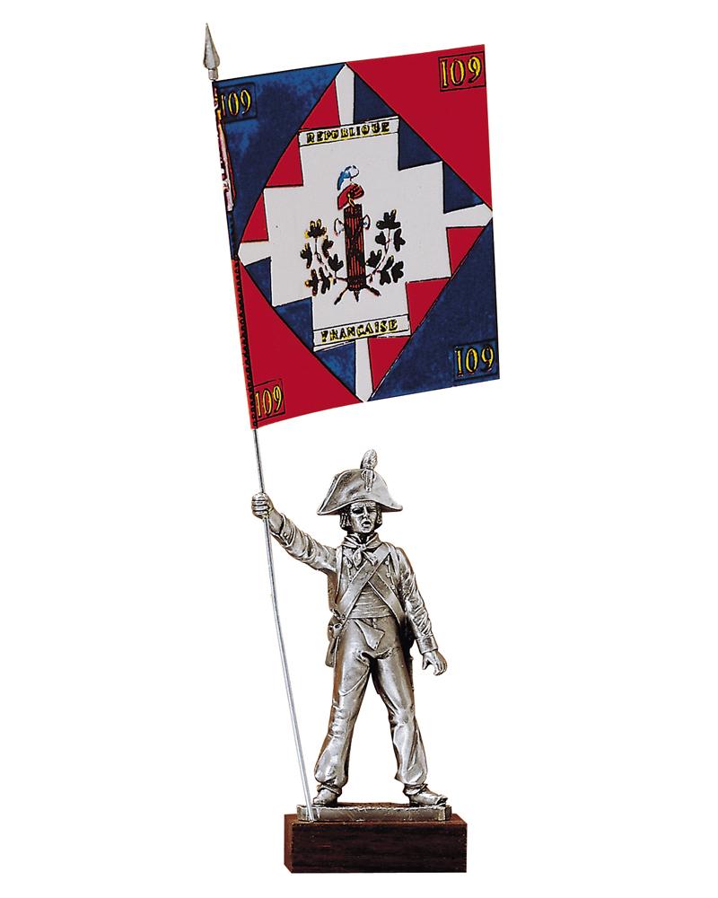 Figurine en etain porte drapeaux infanterie de ligne for Porte drapeaux
